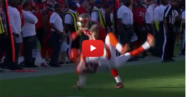 Bucs' WR Mike Evans body slams Cincinnati defensive back
