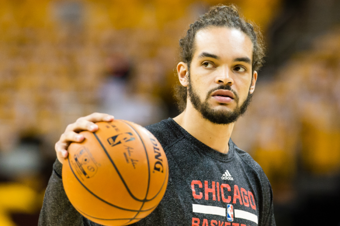 Joakim Noah's very strange Game 2: He gets spit on, touches a fan, and wonders who Cardale Jones is