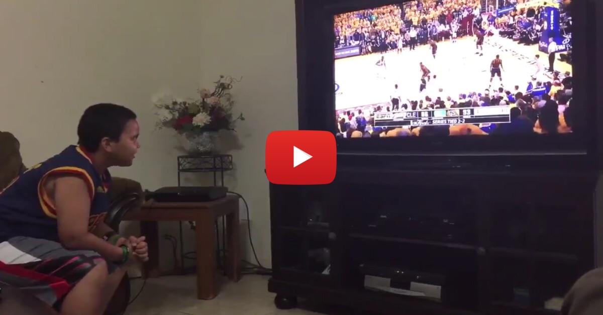 Cleveland Cavaliers fan has hilarious response after Golden State Warriors score a basket