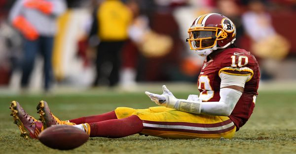 Redskins coach comes to defense of Robert Griffin III against media