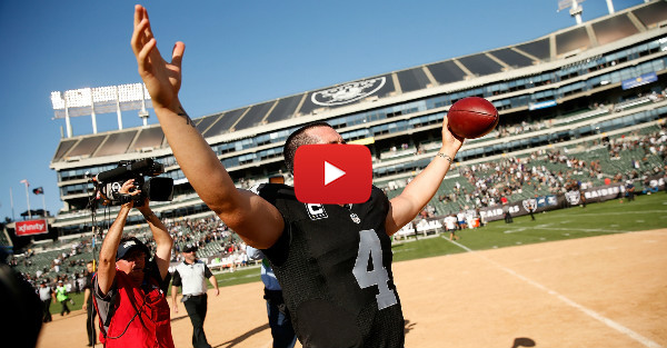 Raiders quarterback Derek Carr officially arrives