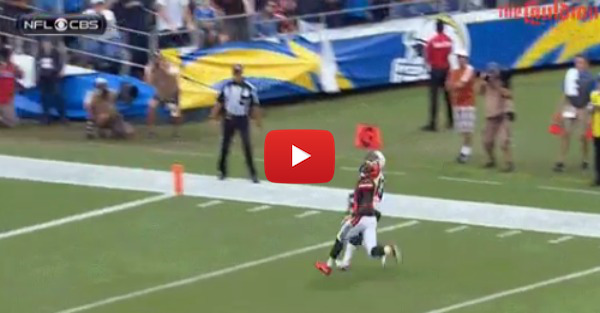 Philip Rivers throws a perfect pass for diving touchdown against the Browns