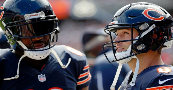 Martellus Bennett compares Jay Cutler to Jesus, Keanu Reeves after big win