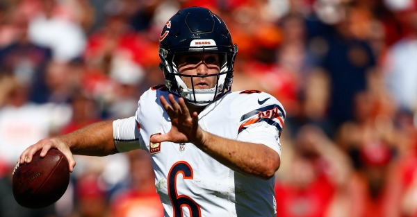 Jay Cutler may stink, but he's about to break this Bears record