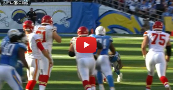 Kansas City wide receiver gets knocked out after a scary blow to the head