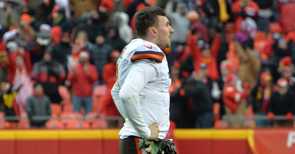Cleveland Browns reportedly couldn't reach Johnny Manziel Sunday morning after night in Vegas