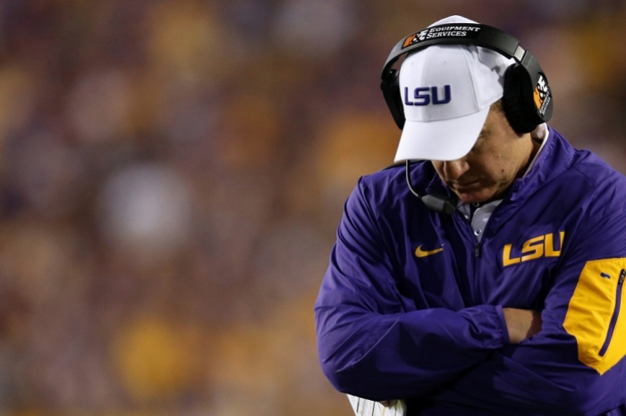 Does Les Miles deserve another crack at a college football head coaching job?