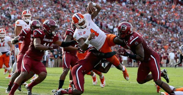 One former South Carolina LB calls Clemson's Orange Bowl rings 'hypocritical'
