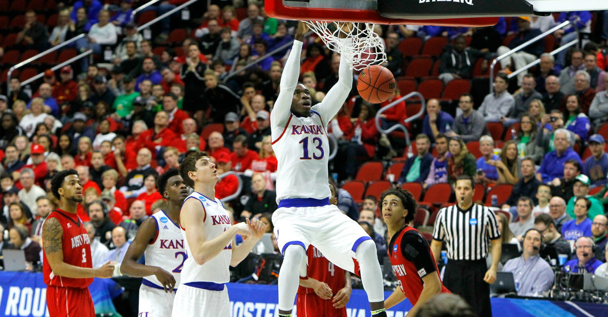 Kansas freshman to keep name in NBA Draft pool