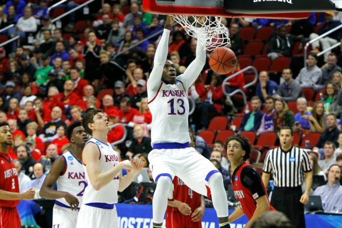Kansas freshman to keep name in NBA Draft pool