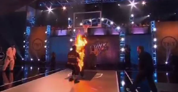 This guy dunked over a dude on fire and still somehow lost this competition