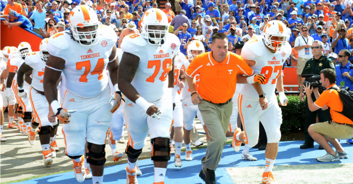 Tennessee hopes to have huge defensive lineman back by season opener
