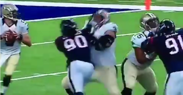 Jadeveon Clowney shows no ill effects of knee injury, destroys lineman in preseason game