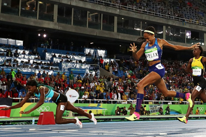 Bahamas sprinter Shaunae Miller's dive across the finish line cost Team USA's Allyson Felix her fifth gold medal