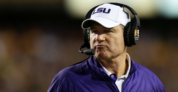"Les Miles ""wants"" vacant Tennessee job and he's willing to leave money on the table"