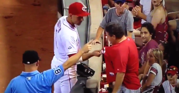 Joey Votto punked a fan in embarrassing fashion