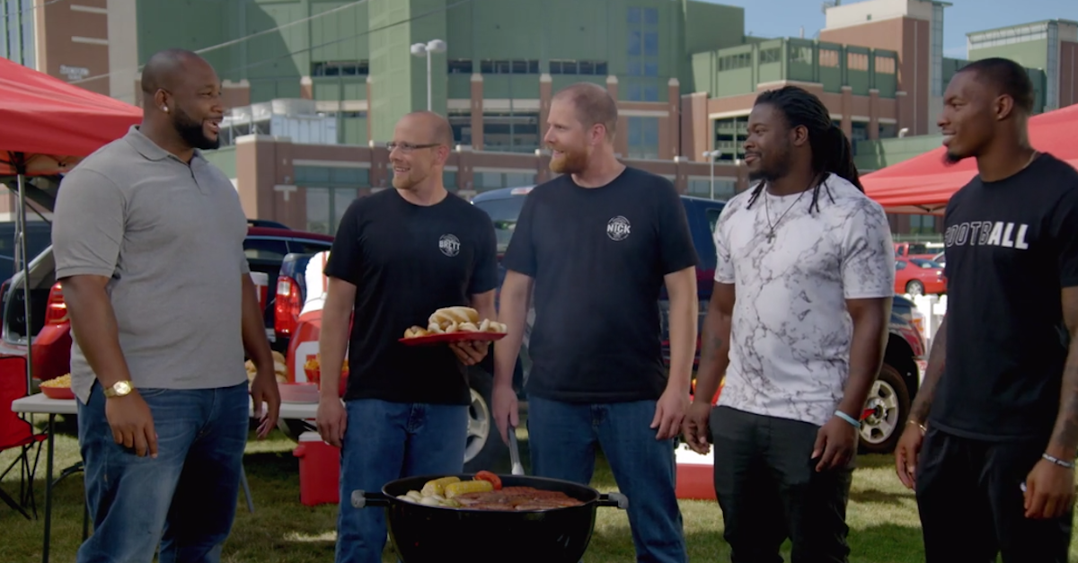 """By way of Alabama"" Watch Clinton-Dix and Eddie Lacy struggle through this sausage commercial"