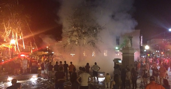 Suspect in custody for Toomer's Corner fire after Auburn win over LSU