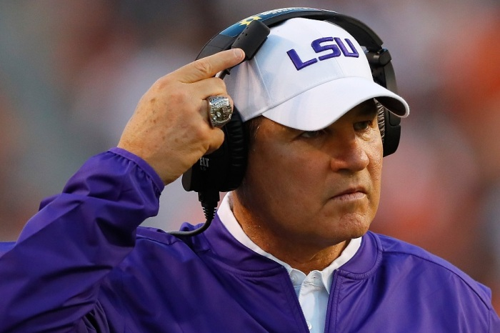 Les Miles reportedly interested in bringing in former SEC head coach as coordinator for potential HC job