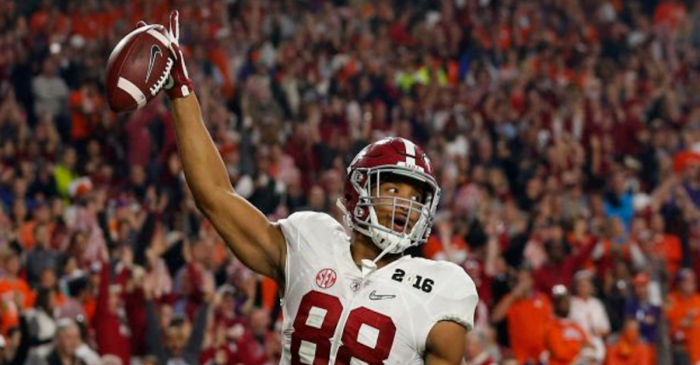 OJ Howard on Jalen Hurts, 'he can basically do everything'