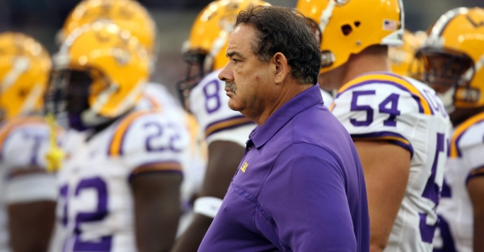 John Chavis trash talks Neyland stadium, gets lit up by Vols fans