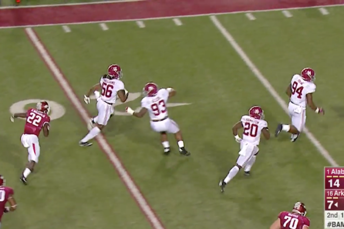 It's a defensive touchdown party once again for Alabama versus Arkansas
