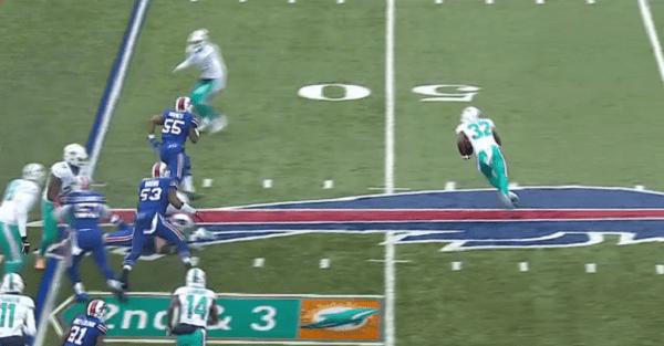 Former Alabama star destroys Bills defense on way to huge touchdown run