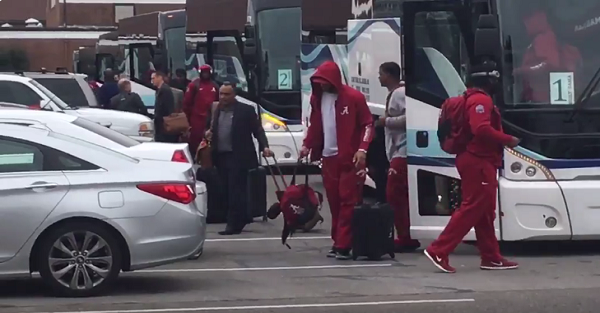 Alabama fans embarrass themselves with showing in team's return from title game loss