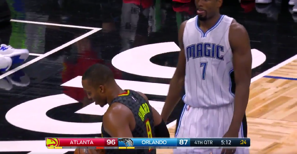 Dwight Howard boos himself and talks to a basketball for some reason