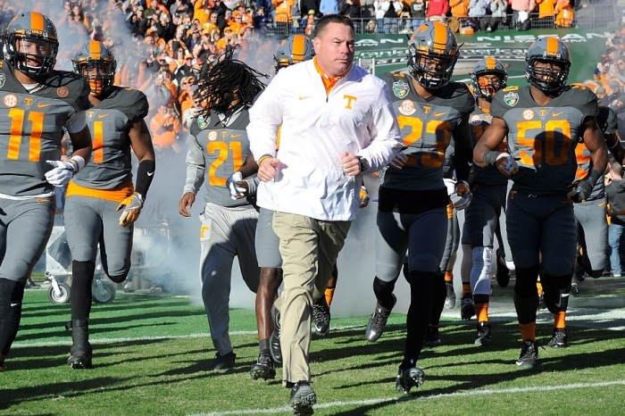 Tennessee lineman had surgery to fix torn ligaments