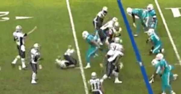 Ndamukong Suh takes another cheap shot, this time against the Patriots