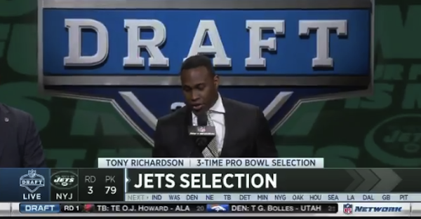 "Former NFLer Tony Richardson forgot how to spell ""Jets"" at the NFL Draft"