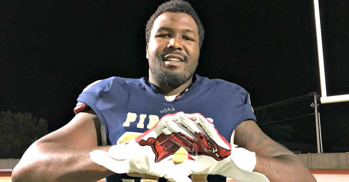 After initial Alabama lean, top 10 JUCO player Emmit Gooden commits to rival school