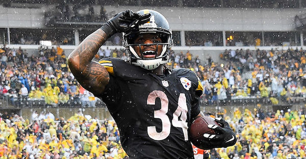 NFL free agent DeAngelo Williams appears to be joining WWE's biggest rival