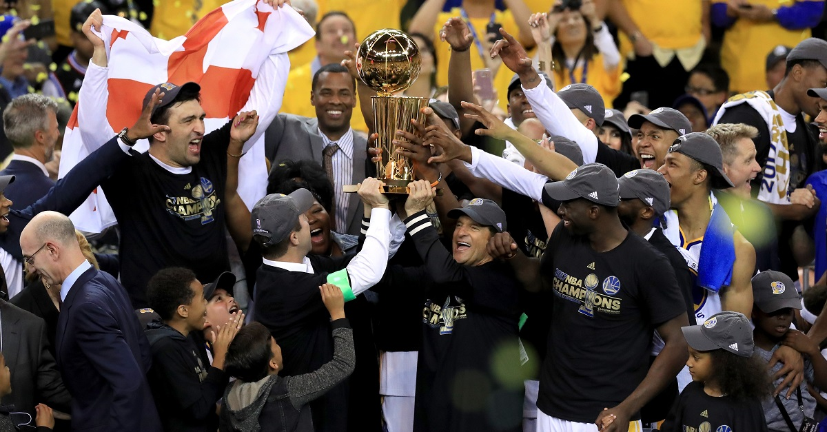 NBA living legend leaving the defending champion Warriors for a 'challenge' with another team