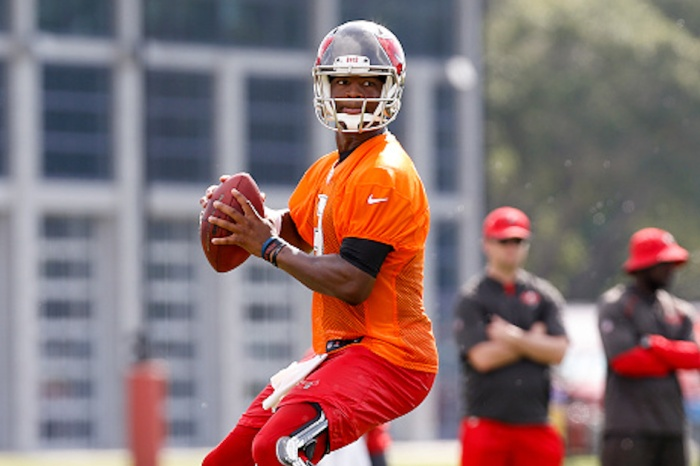 Jameis Winston's head coach compares the QB's playing style to a future Hall of Famer