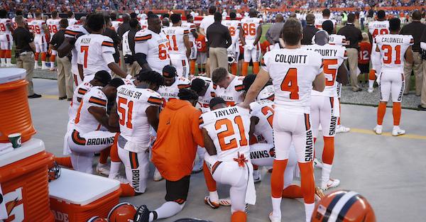 Browns discontinue national anthem protest after urging from NFL legend Jim Brown