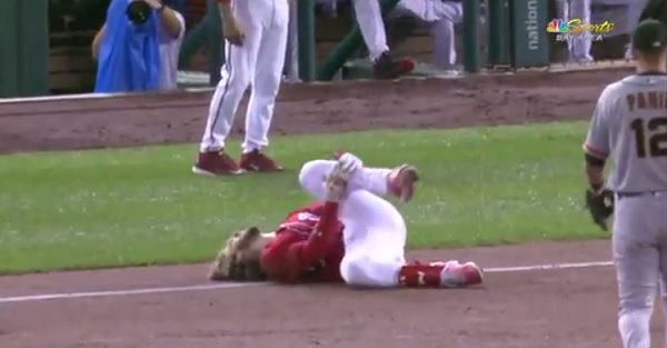 Former baseball MVP goes down with an awful looking knee injury