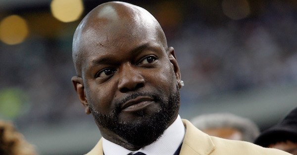 Cowboys legend Emmitt Smith becomes the latest to call out Ezekiel Elliott