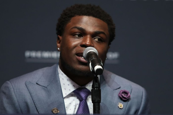 Former Heisman candidate and first white player speak out on national anthem protest