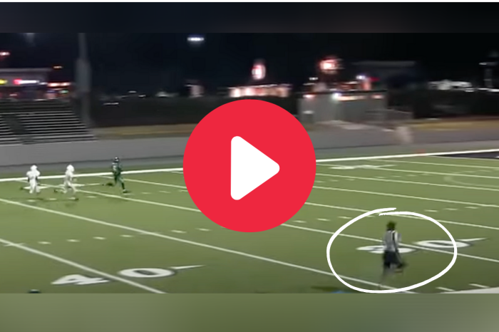 Ref's Blazing 40-Yard Dash During Game Drove the Internet Wild