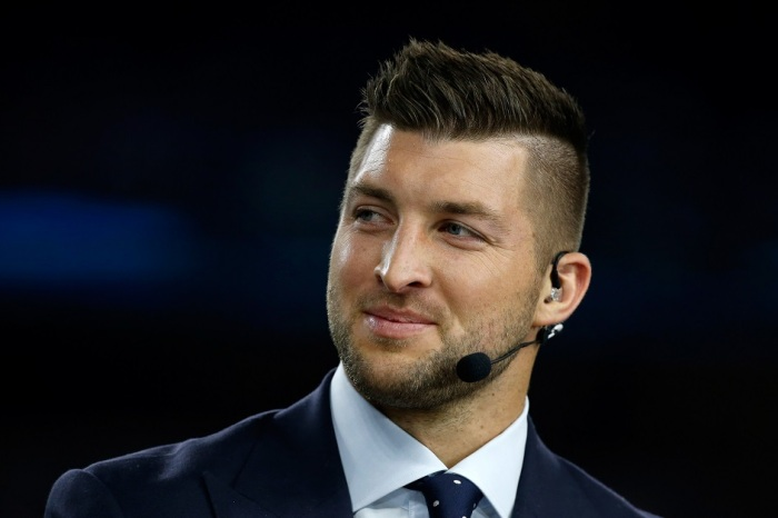 Tim Tebow gets savagely trolled by a sign on SEC Network