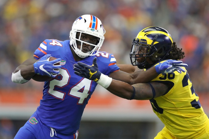 Florida running back critical of team's handling of quarterbacks in season-opener