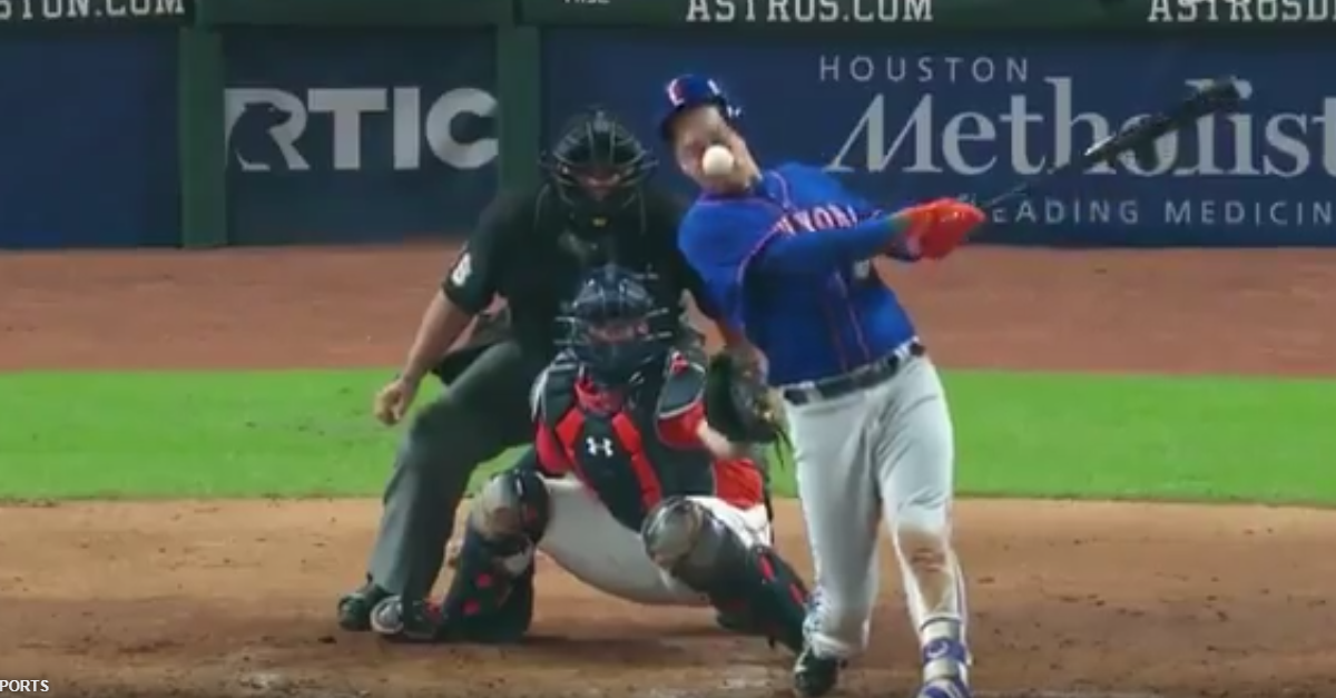 MLB player hits himself in the face with his own foul tip and leaves the game in agony