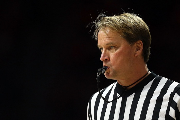 Referee has filed lawsuit against Kentucky radio station after harassment he endured for Elite Eight officiating
