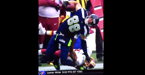 Video emerges of former Pro Bowler ending horse collar tackle with uncalled punch to the groin
