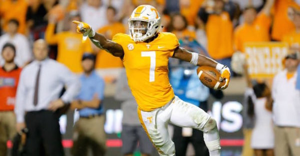 Tennessee's top defensive player announces NFL Draft decision