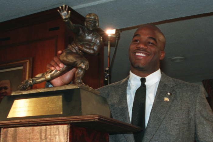 Deceased Heisman winner's trophy auctioned off at record price