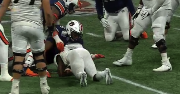 Auburn defender lays the hit of the year by piledriving ball-carrier into the ground