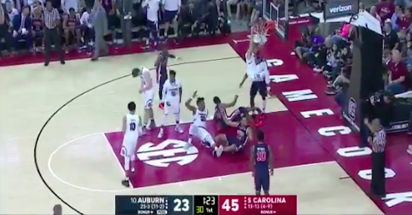 Auburn player suffers gruesome injury, has to be taken off in a stretcher